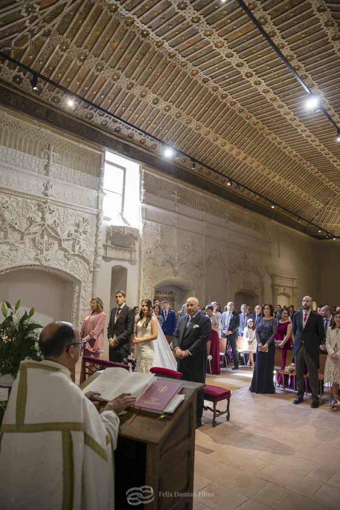boda en la capilla de la universidad de alcala