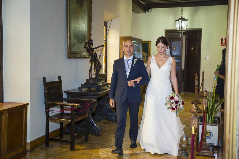 la novia entra con su padre
