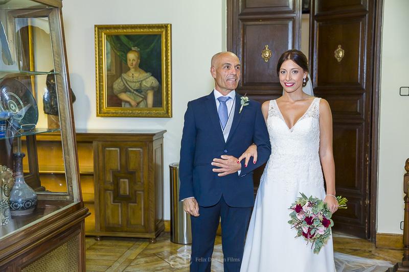 entrada de la novia con su padre